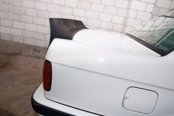 BMW e30 Rocket Bunny spoiler